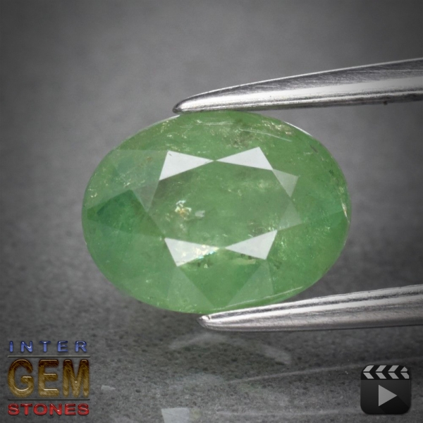 Demantoid, Oval, I1, 1.75 Carat, 8.5x6.4 mm, aus Madagaskar