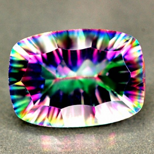 Mystic Quarz, Rainbow 5.83 Carat, Concave, IF, excellent
