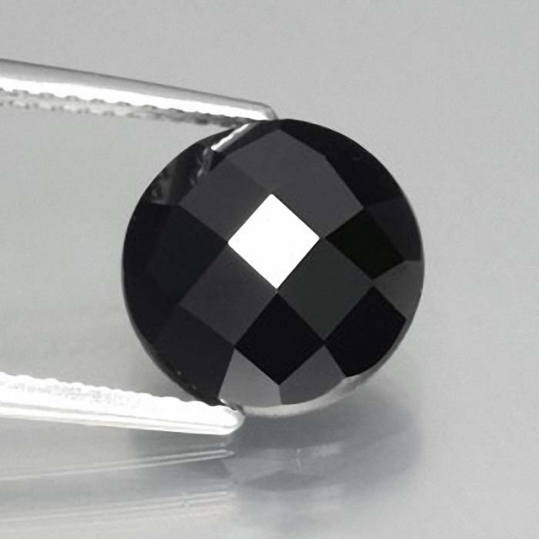 Black Turmalin 3.3 Carat, Opaque, Rund Rose Cut, elegant, Mozambique