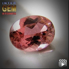 Turmalin, hotpink, oval, VS-SI, 2.88 Carat, 12.0x9.0x4.3 mm, aus Mozambique